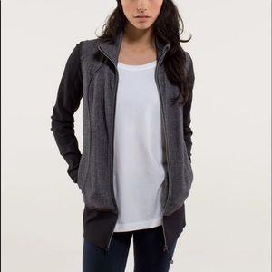 Lululemon 'Nice Asana' jacket size 6 excellent con